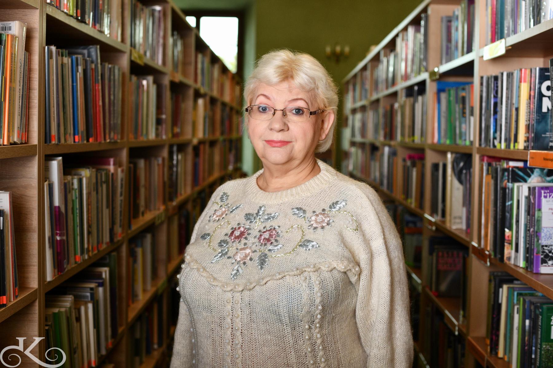 Spotkania Klubu w Filii nr 2 prowadzi Stefania Bindas - bibliotekarka z długoletnim stażem, pasjonatka literatury pięknej