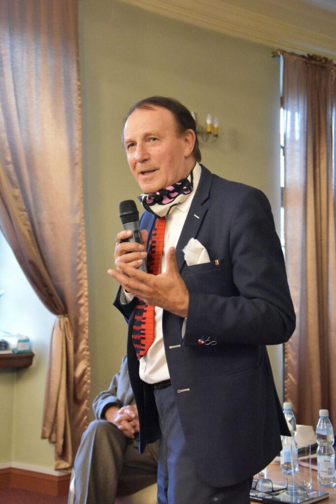 Spotkanie autorskie ze Stanisławem Sławomirem Nicieją. Autor