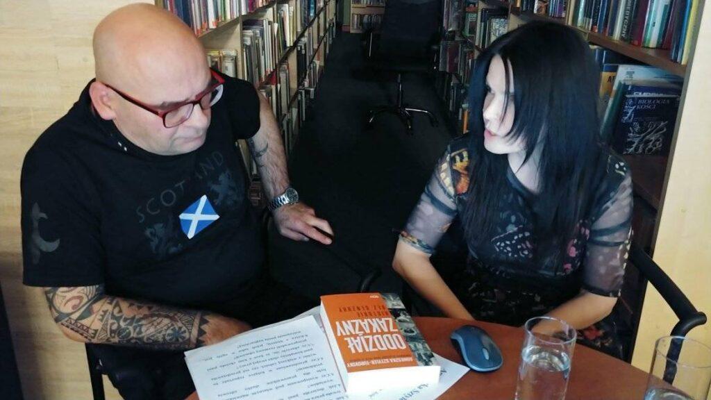Robert Staniszewski oraz Agnieszka Sztyler–Turovsky podczas spotkania autorskiego
