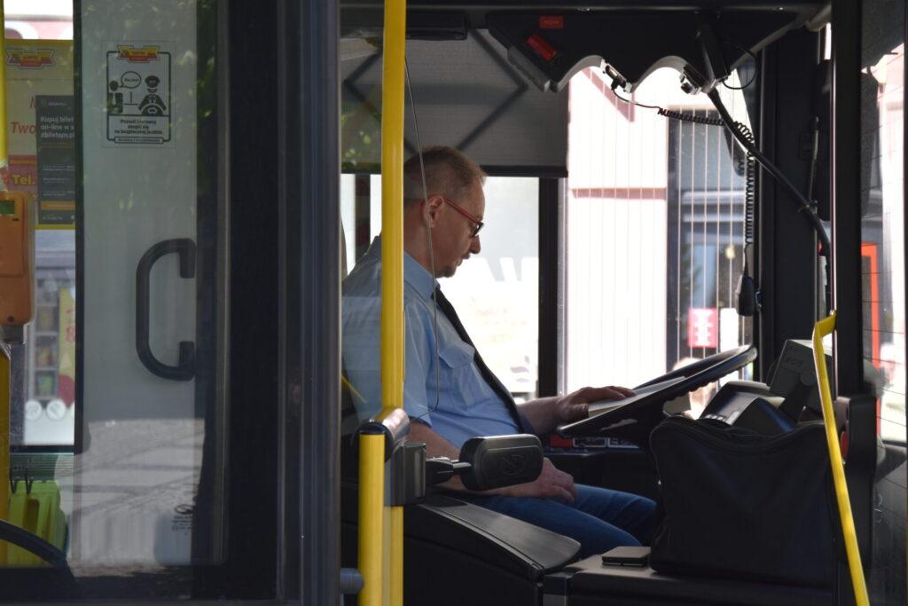 Kierowca w NORWIDbusie