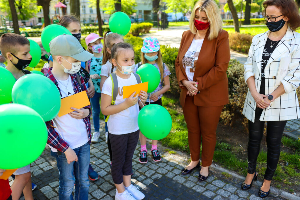 Prezydent Beata Moskal-Słaniewska, Dyrekor Ewa Cuban i dzieci