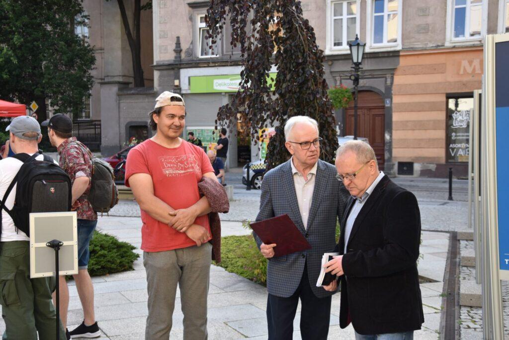 Ubiegłoroczny laureat oraz Andrzej Protasiuk i Karol Maliszewski