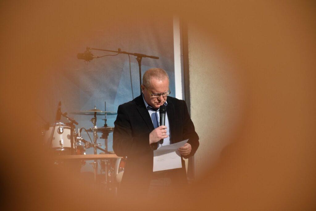 Biesiada literacka na placu z Dzikami przy bibliotece - Karol Maliszewski