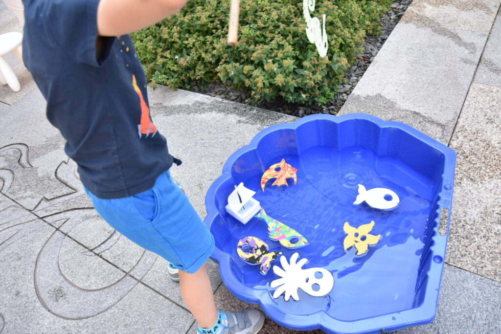 EKO poranek na skwerze z dzikami - wodne zabawy